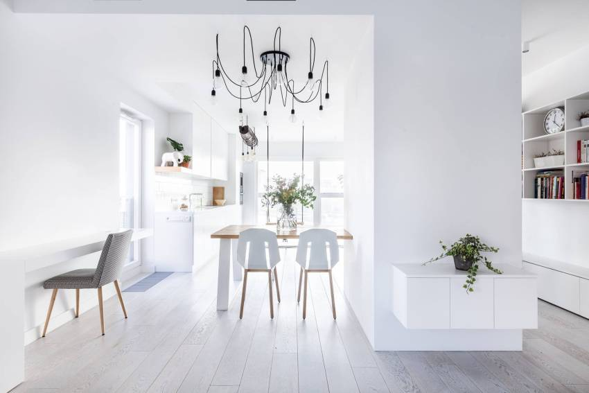 białe lampy do salonu