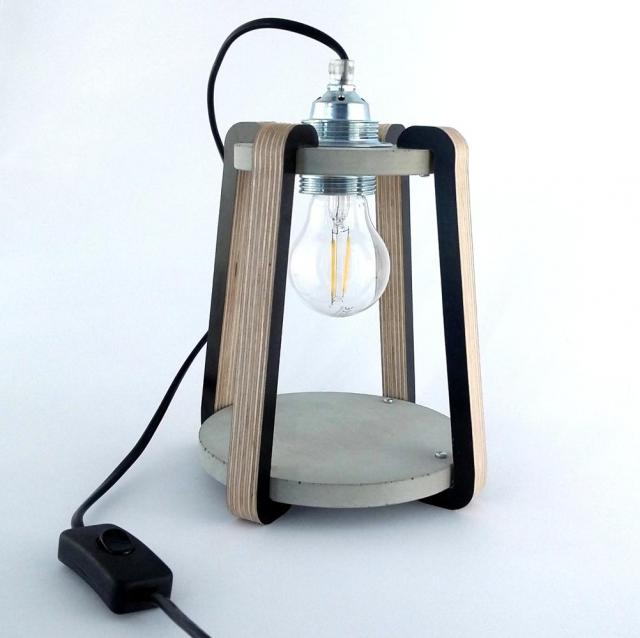 Lampka stojąca BETKA